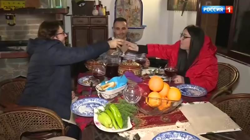 Андрей Малахов. Прямой эфир 14.11.2018 - Выйдя на пенсию, Лолита Милявская уехала жить в Болгарию